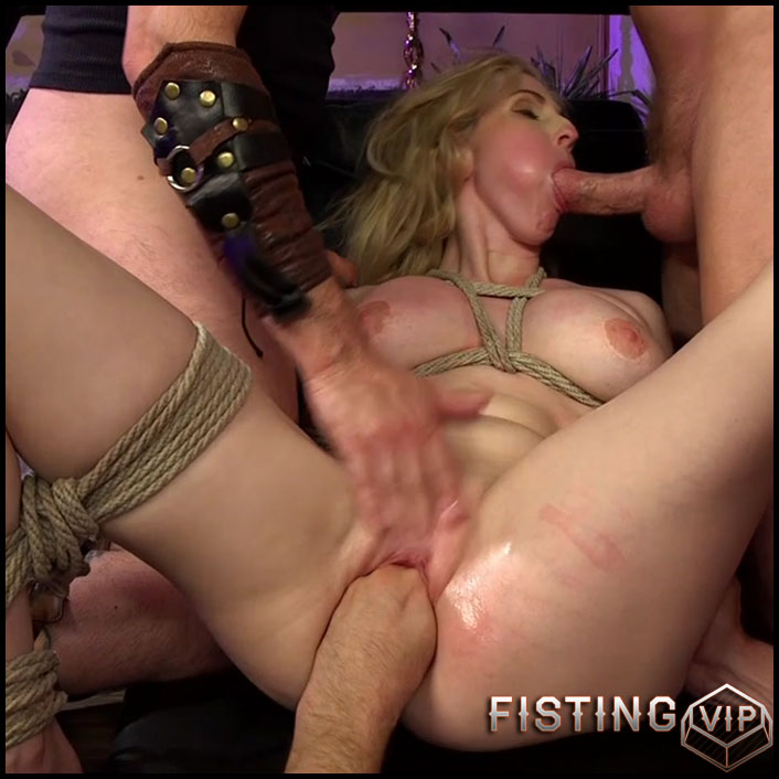 Sexual Sacrifice of Renaissance Babe - HD-720p, Oral Sex, All Sex, Anal Sex, gruppensex (Release February 8, 2017)