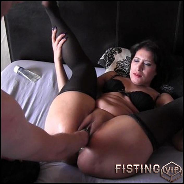 Tunisian 1 times fisted - Full HD-1080p, Anal, BlowJobs, Anal Toy, Small tits (Release February 27, 2017)