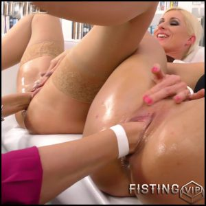 Vanessa, Nathaly Cherie And Barra Brass – Full HD-1080p, lesbians, anal and vaginal fisting, Kissing (Release February 4, 2017)