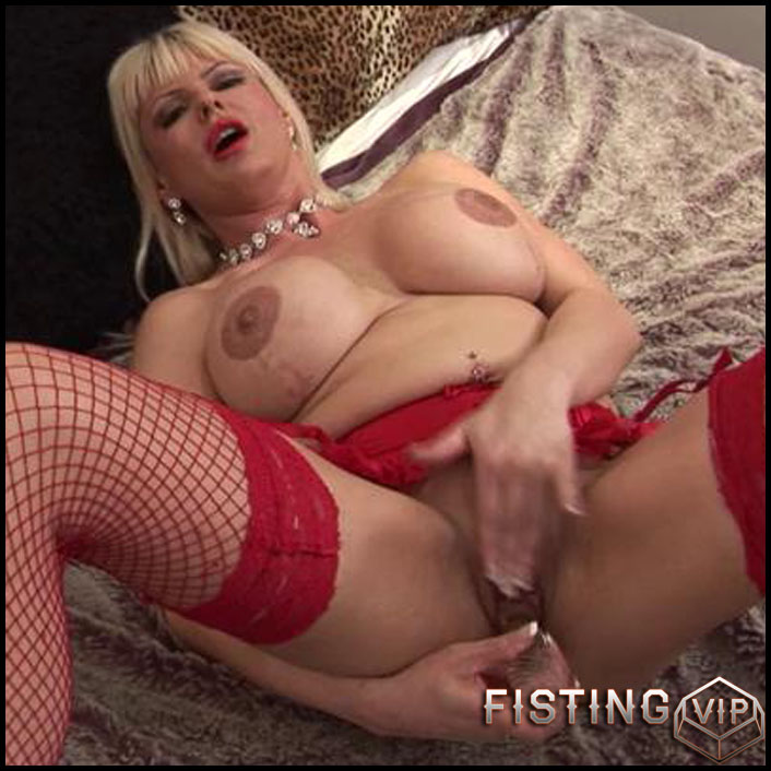 busty big tit milf in red outfit pleasing herself with white dildo - mature, milf, big tit, bbw, solo, blowjob, dildo (Release February 18, 2017)