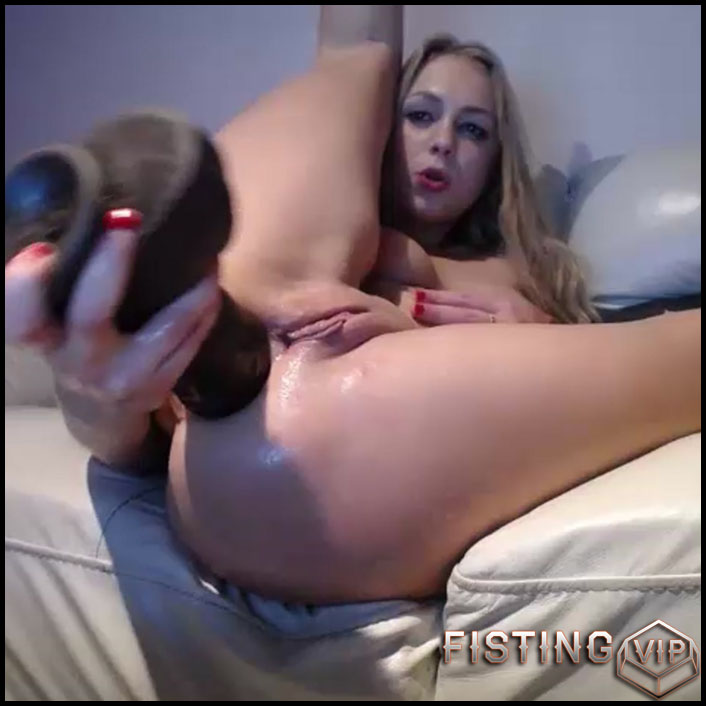 Blonde Solo Anal Fingering