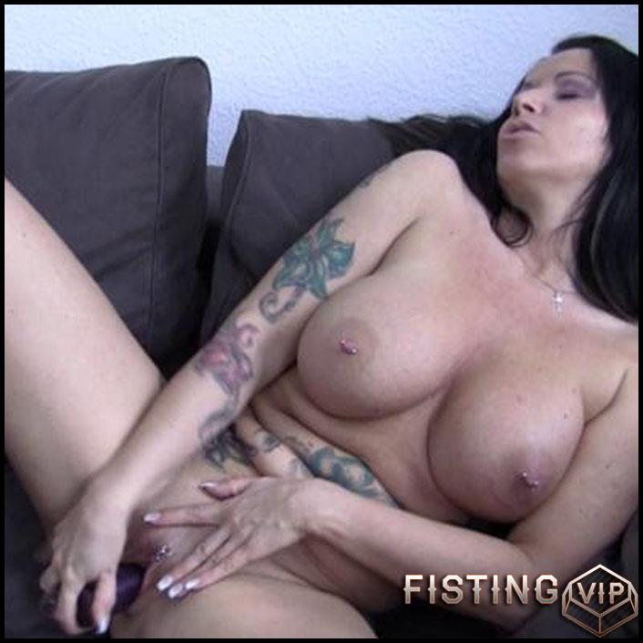 tattoed big tit milf showing her pussy - mature, milf, big tit, bbw, solo, blowjob, dildo (Release February 18, 2017)