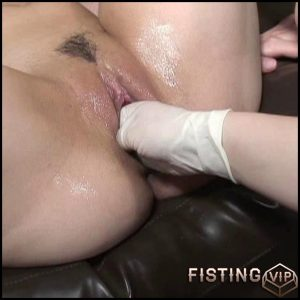 Buk Fisting 002 – Giant Dildo, Toys, Lesbians, Anal Fisting (Release March 26, 2017)