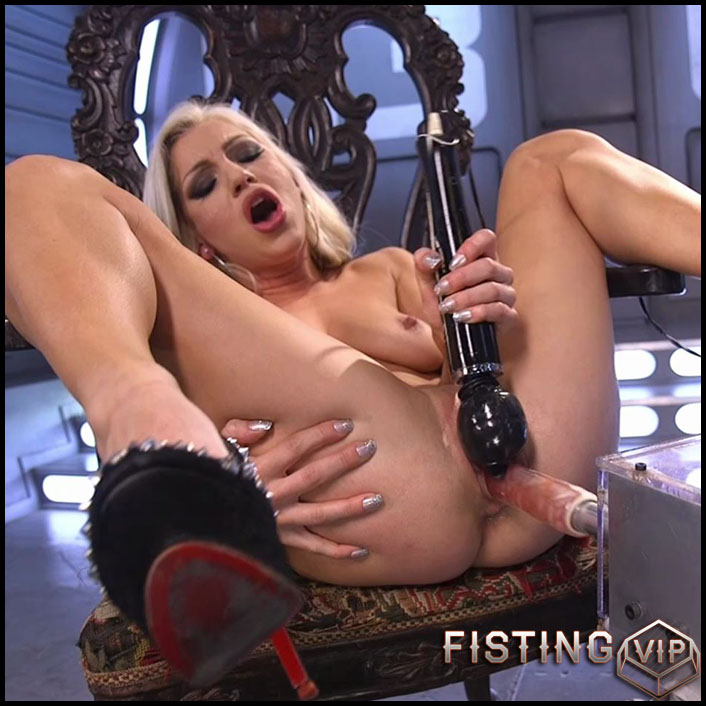 Cameron Dee Takes an Anal Pounding - HD-720p, Sex Machine, Vibrator, AnalToys (Release March 31, 2017)