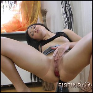 Huge plug and strings – Full HD-1080p, Fisting, Dildo (Release March 05, 2017)