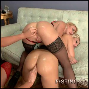 Roxy Darling Angel hi – lesbian fisting, fisting video (Release March 05, 2017)