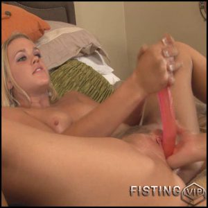 StretchingTheHoles 2 –  lesbian fisting, double fisting (Release March 04, 2017)