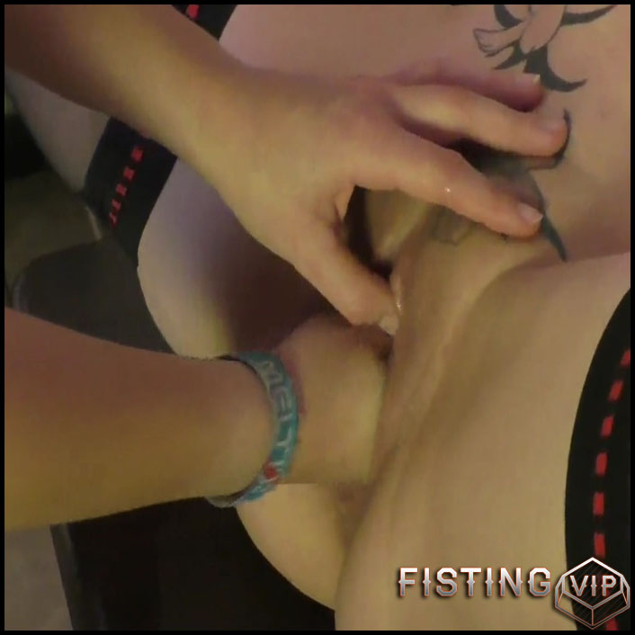 Teeny bitch fisting Milf (Krass the whole hand) - Full HD-1080p, Lesbian, Anal (Release March 07, 2017)
