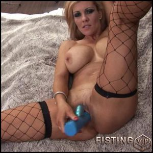 big booty blonde milf slut dildoing her pussy at home – Solo, Anal, dildo, anal play (Release March 05, 2017)