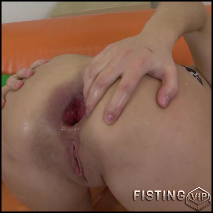 Anal Gaping Girl - Full HD-1080p, anal prolapse, long dildo, Fisting (Release April 30, 2017)1