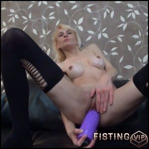 BrutalDildos – RAQUEL – Full HD-1080p, Giant Dildo, Toys, Solo, anal and vaginal fisting (Release April 22, 2017)