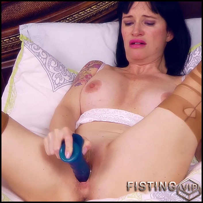Dildo Fucking in Bed - HD-720p, Anal, Toys, Masturbation (Release April 18, 2017)