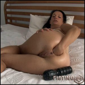 Fist on bed – Full HD-1080p, huge dildo, anal video, Fisting (Release April 28, 2017)
