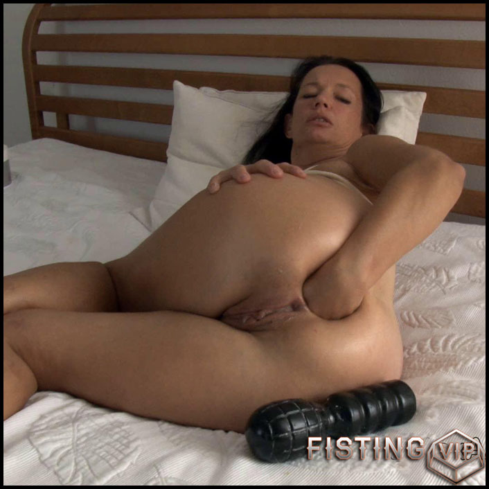 Fist on bed - Full HD-1080p, huge dildo, anal video, Fisting (Release April 28, 2017)