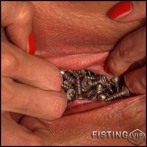 Queensnake – Screwed Tanita – Full HD-1080p, stuffing, fisting, pussy-whipping (Release April 23, 2017)