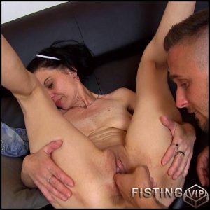Senior vs camila – HD-720p, Fisting, pussy fisting (Release April 27, 2017)