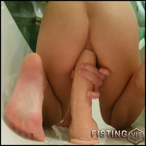 Solo Dildo Teen Anal Fisting Squirting – Full HD-1080p, Giant Dildo, Toys, Solo, MILF, dildo, anal play (Release April 7, 2017)
