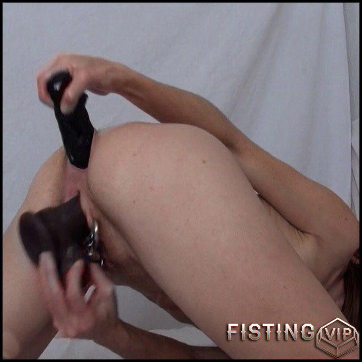 Shaved wife peeing