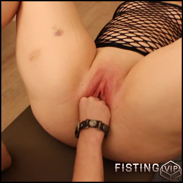 With 2 fists blasted the pussy - JungesfetischpaarNRW - Full HD-1080p, lesbian fisting, double fisting (Release April 12, 2017)