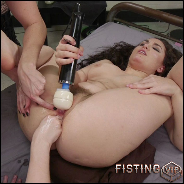 Bella Rossi Dispenses pain and Pleasure to Gabriella & Violet's Asses - HD-720p, Speculum, lesbian fisting, dildo anal (Release May 22, 2017)