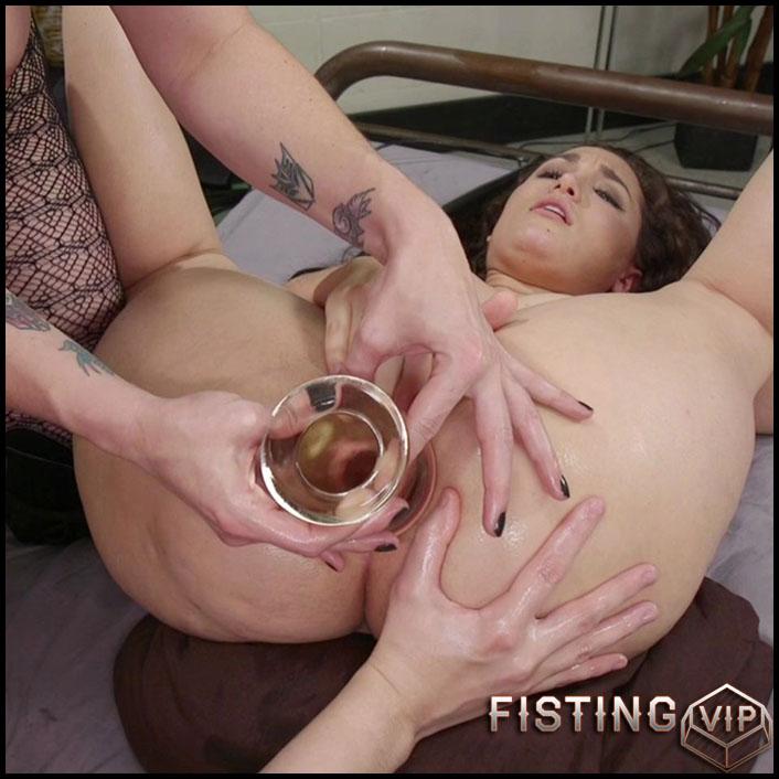 Hung Tranny Porn Tube