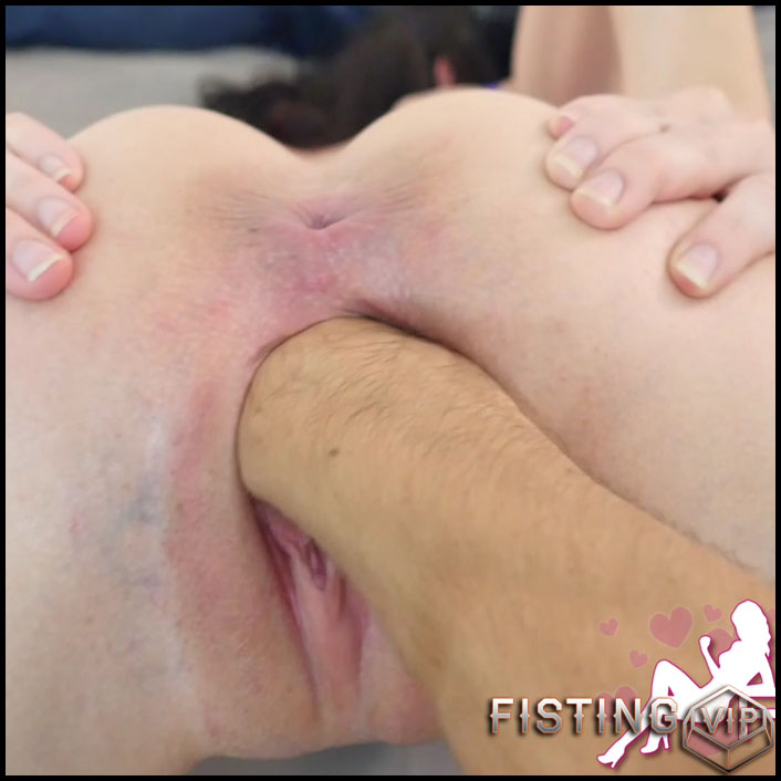Goldilocks - Punch Fisting and Cumming with two Fists - Full HD-1080p, Biggest Dildo, Anal, Toys (Release May 20, 2017)1