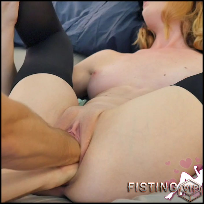 Goldilocks - Pussy filled with eggplant, dildos, and both Fists - HD-720p, Foot Fetish, Toys, hardcore fisting (Release May 20, 2017)2