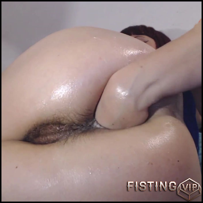 Hairy asshole needs the fist - Roxana-xrated - Full HD-1080p, Solo, Fisting (Release May 3, 2017)