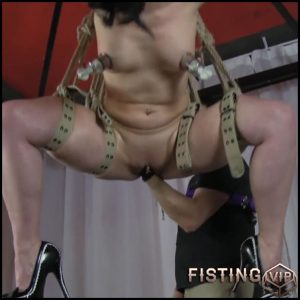 Hanging fisted on the ceiling with RealesFetishPaar – Full HD-1080p, extreme fisting, hardcore fisting (Release May 22, 2017)