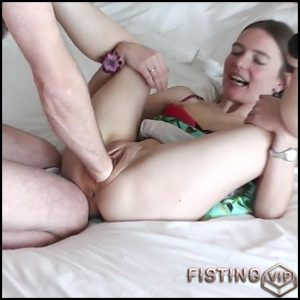 Krasser Doppelfaustfick – with KarinaHH – Full HD-1080p, big pussy fisting, extreme pussy fisting (Release May 12, 2017)