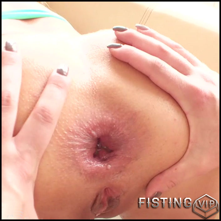 Nikky Dream, Tarra White - Nikky Dream punch fisted and ass fucked - lesbian fisting, double fisting (Release May 20, 2017)