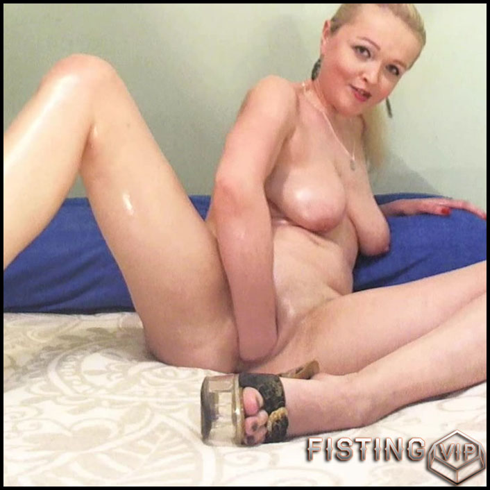 Oil and hardcore fisting - Full HD-1080p, anal, Fisting, Solo (Release May 8, 2017)1