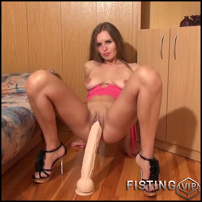 Pussy stretching with monster dildos - Sexy Naty - Full HD-1080p, webcam, anal, anal insertion, Toys (Release May 20, 2017)