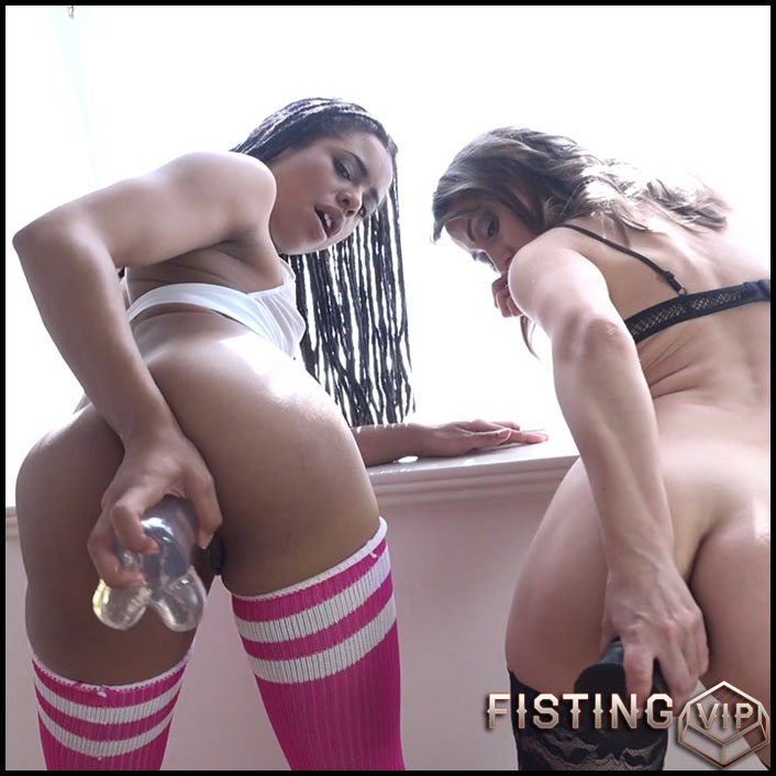 Angel Karyna and Kira Noir anal fisting lesbians - HD-720p, lesbian fisting, pussy fisting, anal, anal fisting (Release June 15, 2017)