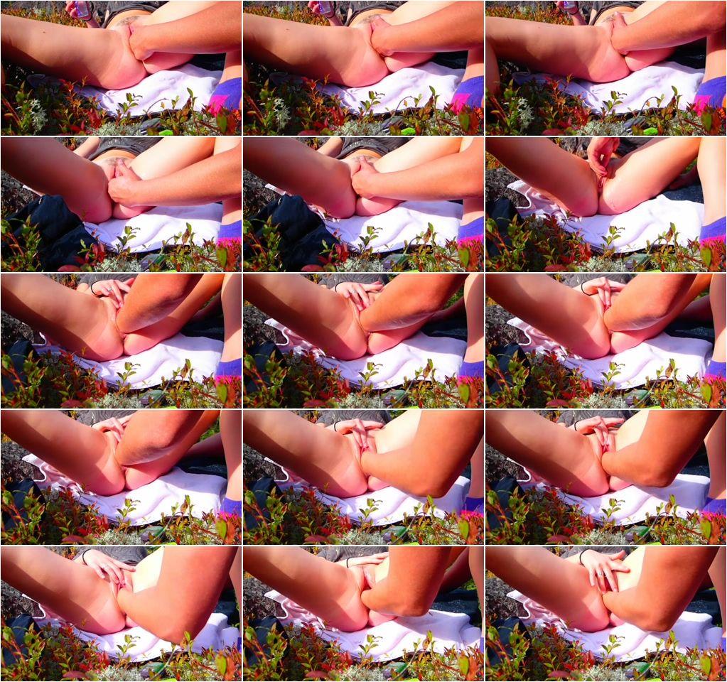 Fisting_orgasms_in_public.jpg
