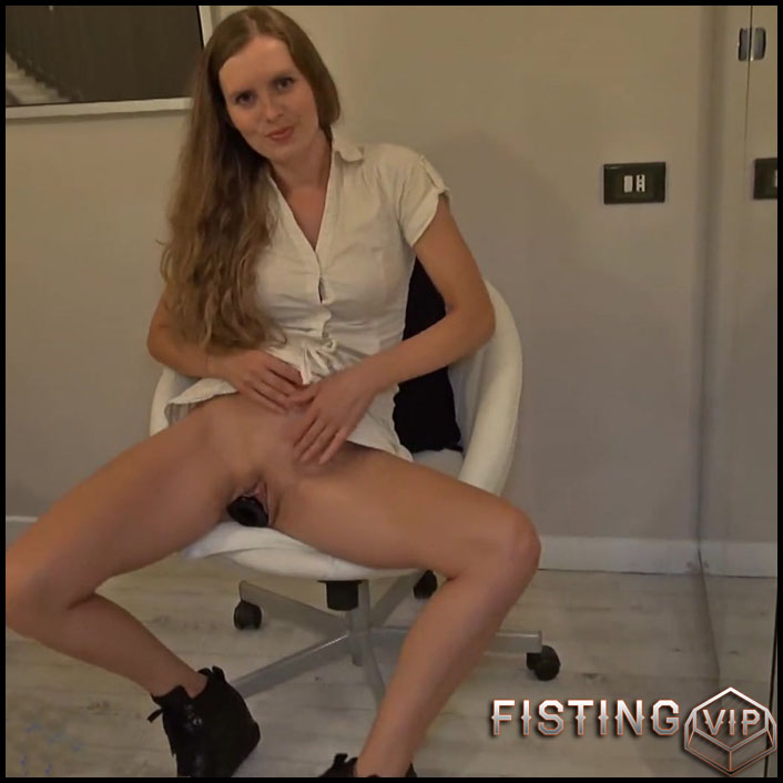 Plug in everyday life - Sexy Naty - Full HD-1080p, big pussy fisting, Giant Dildo, Toys (Release June 11, 2017)