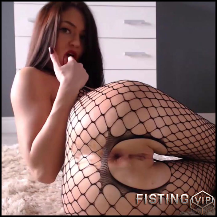 Skinny goddess Yveline solo stretching her narrow anal gape - Full HD-1080p, dildo anal, gape ass, gaping anal, gaping asshole (Release June 15, 2017)1