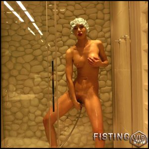 Naked blonde vagina