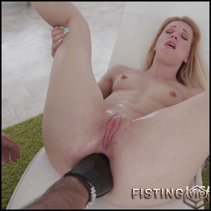 Monika Wild different huge dildos fuck in rosebutt anal - HD-720p, anal prolapse, ball anal, huge dild (Release July 24, 2017)