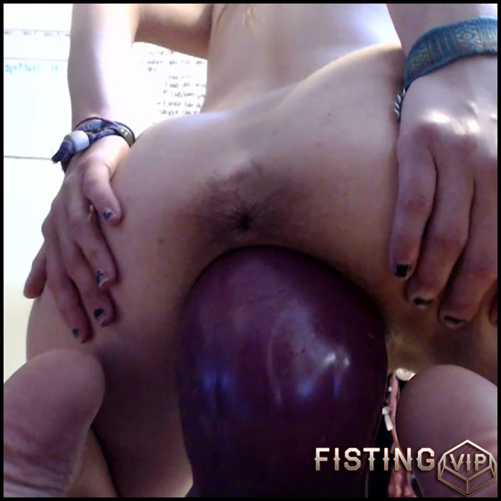 Girl Fucked Dildo Machine