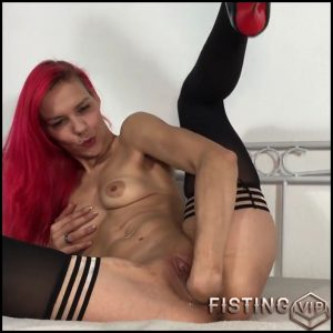 Does the hand fit with Sexy-Klara – Full HD-1080p, hardcore fisting, solo fisting (Release August 12, 2017)