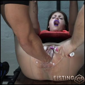 Fisting until the pussy is burning with AmateureXtreme – Full HD-1080p, extreme fisting, hardcore fisting (Release August 29, 2017)