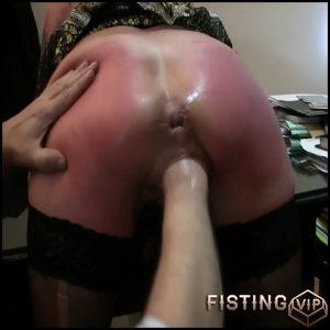 German punk goddess gets deep vaginal fisting – RaisaWetsX – HD-720p, amateur fisting, deep fisting, pussy fisting (Release August 21, 2017)