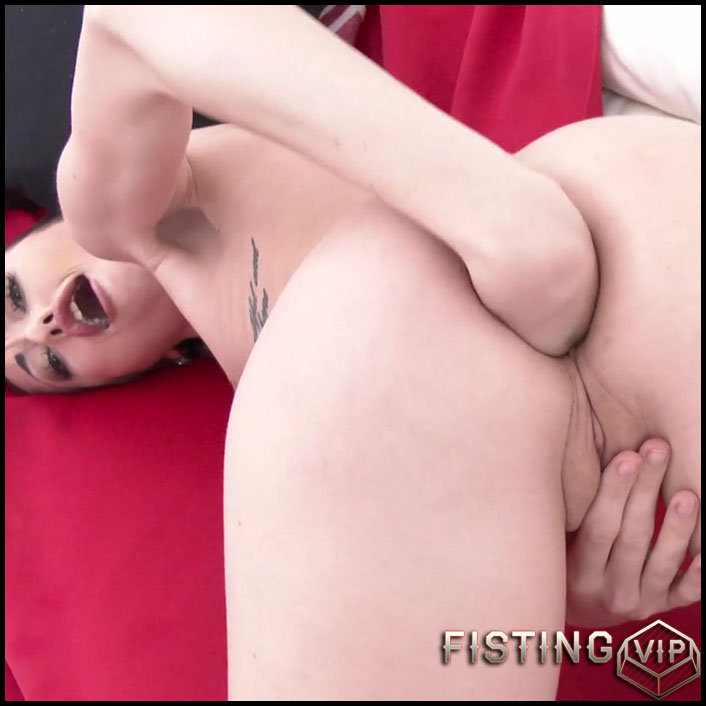 Jessi Empera Is Back To Gonzo With DP, DAP And Triple Penetration - HD-720p, extreme fisting, hardcore fisting (Release August 21, 2017)1