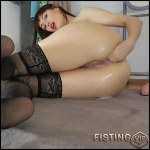Russian girl Mylene fisting and loose huge prolapse – Full HD-1080p, solo anal, solo fisting, webcam (Release August 30, 2017)