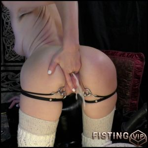 Abigail Dupree – Filly That Could  Part 2 – HD-720p, Sex Machine, solo fisting, AnalToys (Release September 3, 2017)
