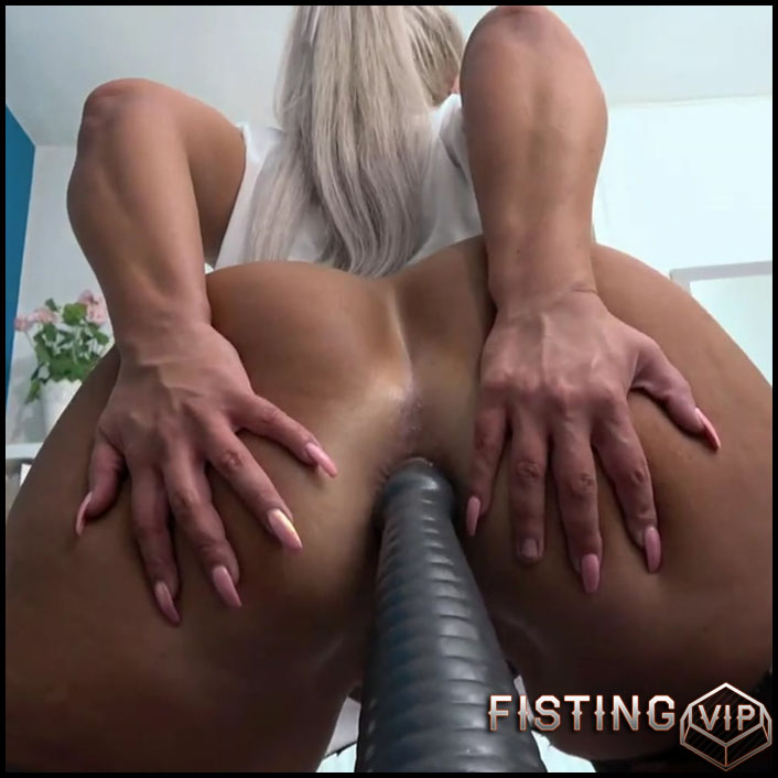 Big ass milf Tamara Milano solo rides on a huge butplug - Full HD-1080p, dildo anal, huge dildo, webcam (Release September 28, 2017)