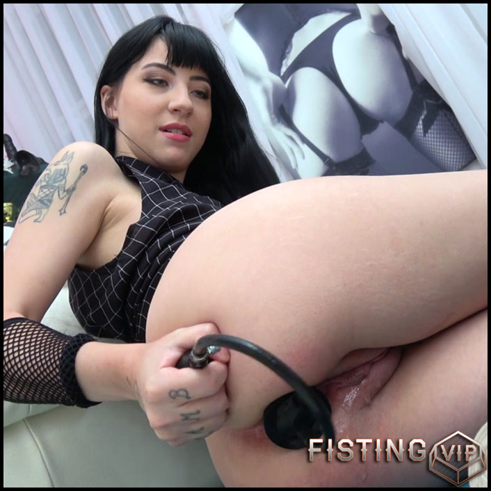Charlotte Sartre solo fisting sex - HD-720p, solo fisting, anal fisting, dildo anal (Release September 28, 2017)
