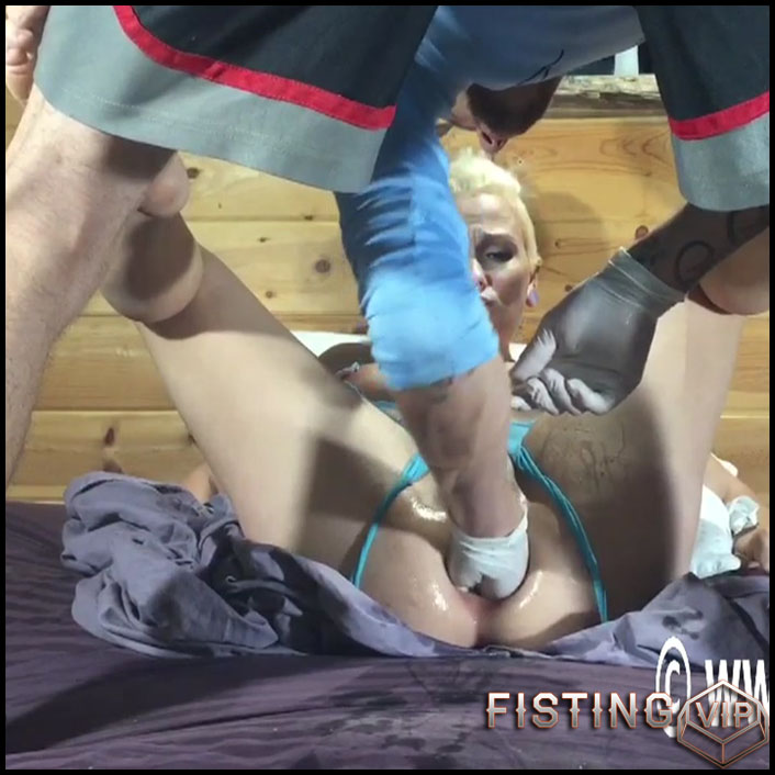 Double fisting Lilys holes - HD-720p, extreme fisting, hardcore fisting (Release September 24, 2017)
