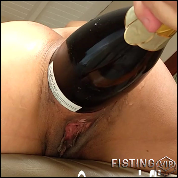 Double fisting Marias holes - HD-720p, bottle, hardcore fisting, extreme fisting (Release September 24, 2017)